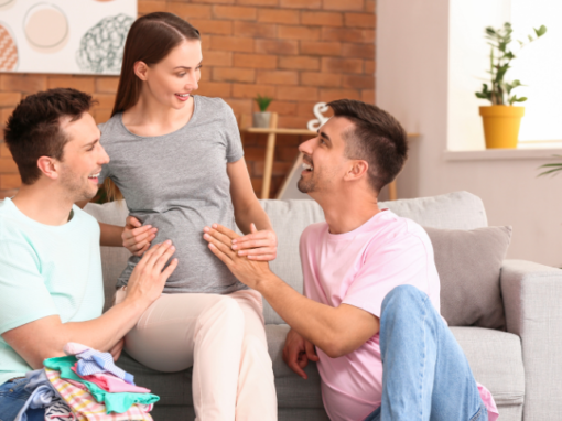 who do surrogate mothers help